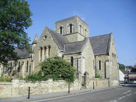 ‪Church of the Sacred Heart of Jesus and St Cuthbert‬