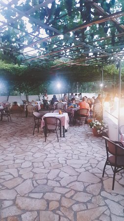 Aspros Taverna