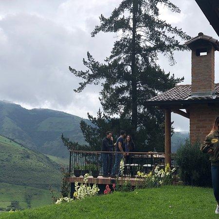 Nono, Ecuador: Atardecer en Yumba Urqu