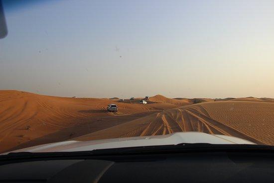 OceanAir Travels: Group of cars in Desert Safari - Oceanair