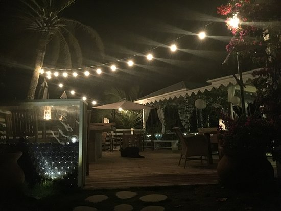 Saint George, Antigua: Blue Bar