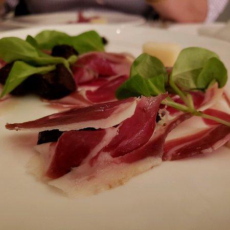 Ostra: Awesome Paella!