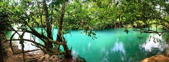 Atalaya, Pérou : Quebrada de agua turquesas