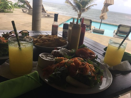 Marigot, Dominica: awesome food!