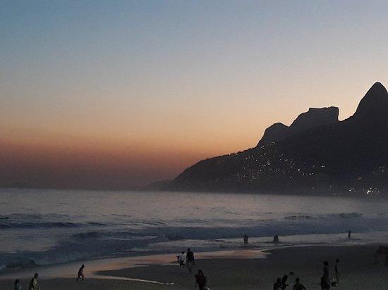 Praia do Arpoador: 20180718_174743_large.jpg