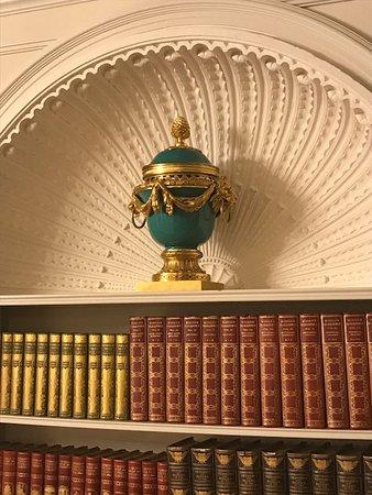 Martinsdale, MT: Vase in formal living room of Bair house.