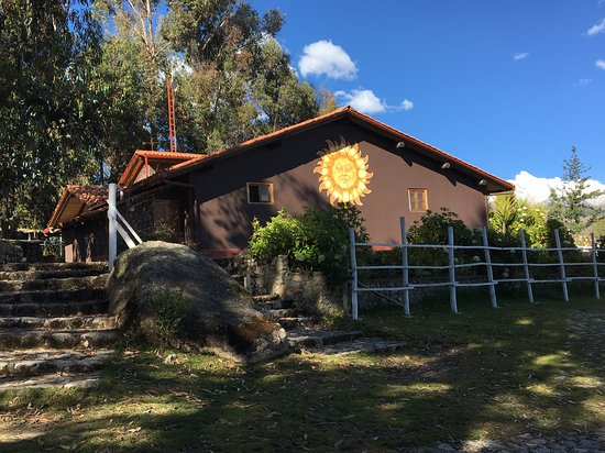 The Lazy Dog Inn: Side view of The Lazy Dog