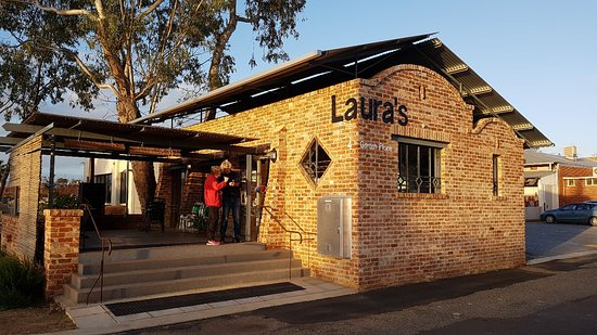 ‪Laura's Wine Bar‬