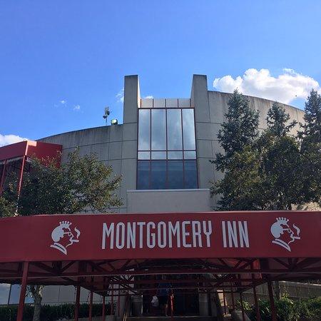 Montgomery Inn at the Boathouse: photo0.jpg