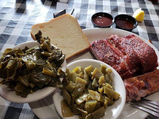 Pulaski, TN: Ribs, collards and green beans