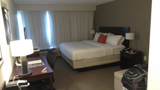 Delta Hotels by Marriott Kalamazoo Conference Center: Room was very clean