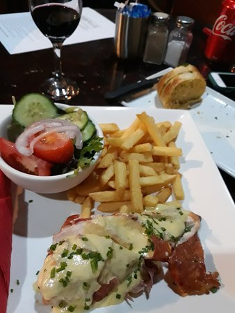 Kerang, Australia: Chicken n' chips