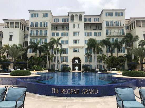 The Regent Grand Foto