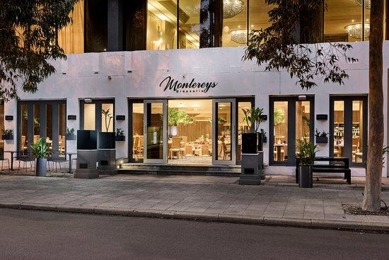 Montereys Restaurant: Street view of Montereys Brasserie