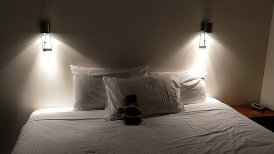 West Beach, Australia: Comfortable Kingsize bed
