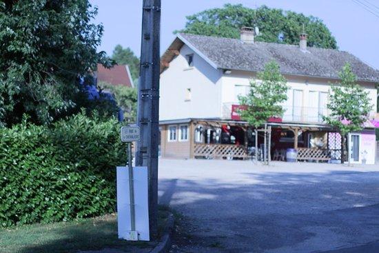 L'Etoile, Frankrike: La maison des vins, restaurant, fermé le mercredi