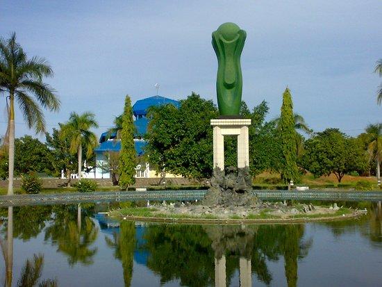 Tolitoli, Indonesië: Tugu Cengkeh
