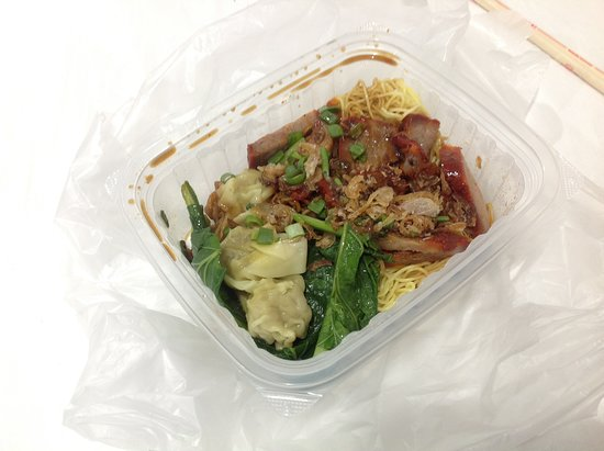 Tai Hoe : Mee Pork Beli Di City Mall SQ, Nooo Halal ( My Daughter, She's Love Pork Mee