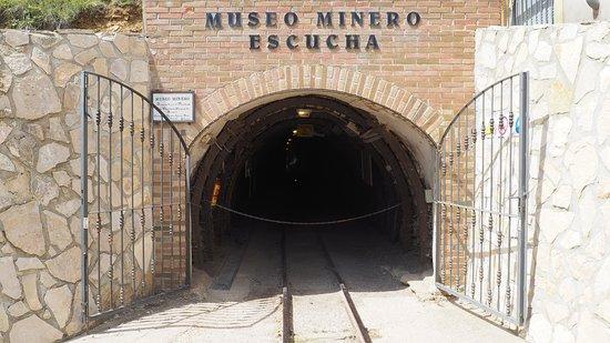 Provincia de Teruel, España: Entrada mina.