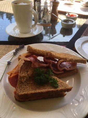 Lastingham, UK: Perfect bacon sandwich