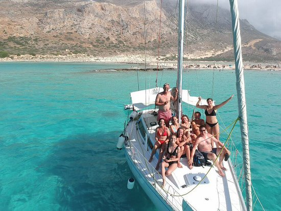 Kissamos, Grèce : Great mixed group of guests with brilliant drone pilot!