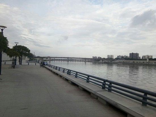 Sabarmati Riverfront: IMG_20180715_182127_large.jpg