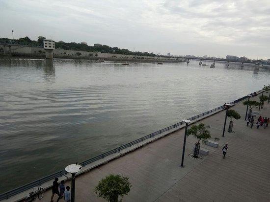Sabarmati Riverfront: IMG_20180715_175935_large.jpg