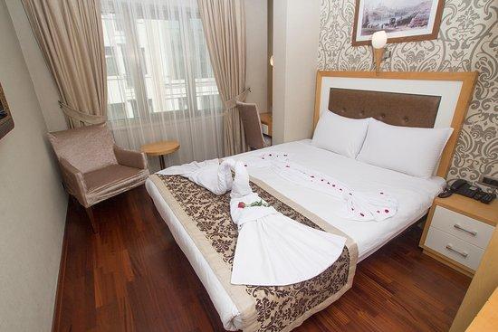 Nova plaza taksim square istanbul hotel reviews for Guest house harbiye
