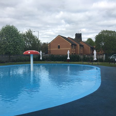 Northwich, UK: Church Walk Paddling Pool