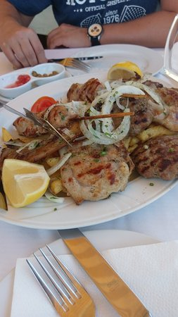 Le Gourmet Taverna: IMG-1e5eb36247ef04364cefdce15635c0de-V_large.jpg