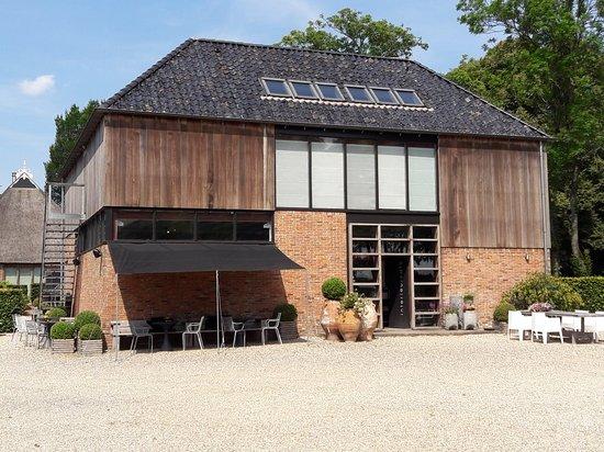 Twijzel, Pays-Bas : Heerlijke lunch bij Pilat&Pilat! Natuurlijk ook prachtige showroom van de meubelmakerij!