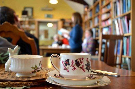 Struan, UK: Author talk and vintage china