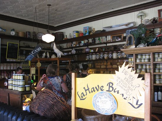 LaHave, Kanada: Inside the bakery