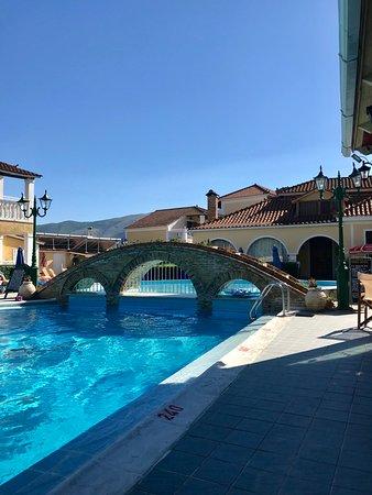 Elpida Hotel: Lovely relaxing pool.