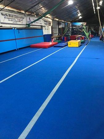 North West Gymnastics Mountisagymnastics Mountisatumbling Nwgmountisa Mountisaacrobatics Sprung Floor