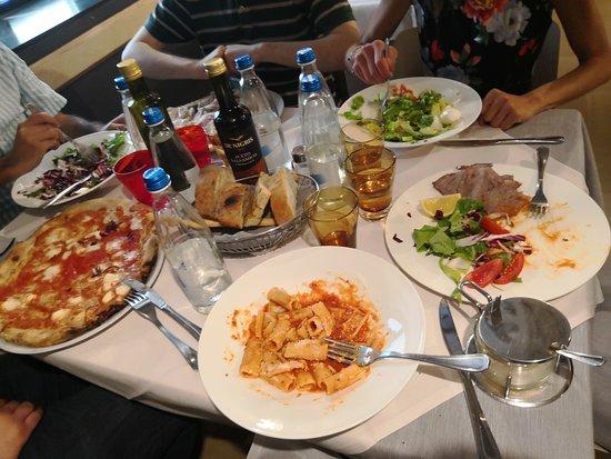Amici Miei: i 6 piatti quasi quasi conveniva metterseli nelle gambe e mangiare cosi