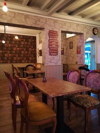 Montescudo, Italia: Sala interna