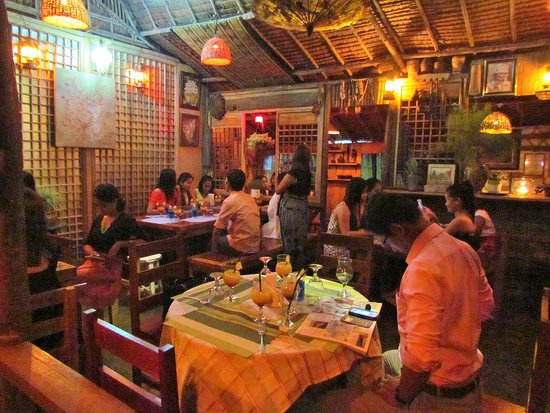 Quezon, Philippines:  Chillax at Cafe Atreyu