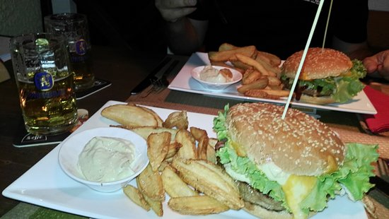 Altivole, Włochy: Hamburger