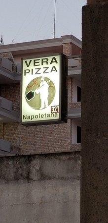 Checco Pizza: Verace pizza napoletana