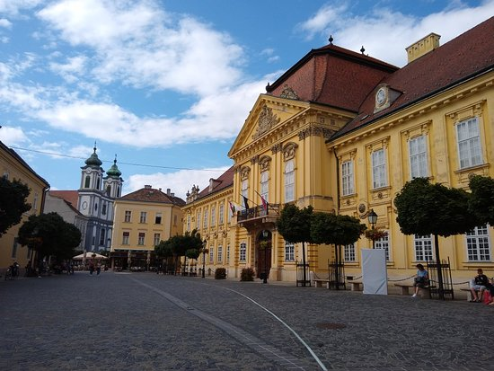 Városház Square