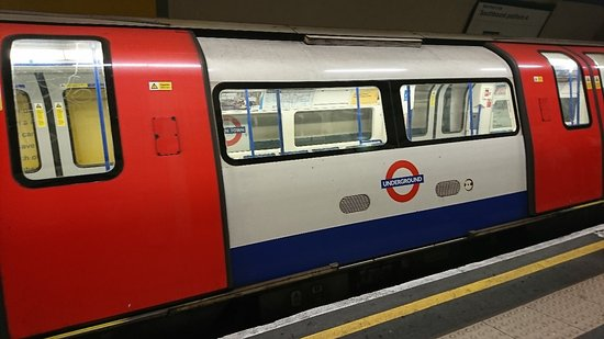 London Underground: DSC_5887_large.jpg