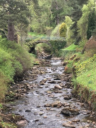 Blair Castle and Hercules Gardens : Stream in front of Blair Castle
