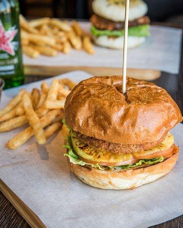 Unionville, Canada: Veggie Chicken Katsu Burger
