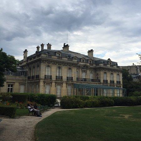 Jardin de l'hôtel Salomon de Rothschild