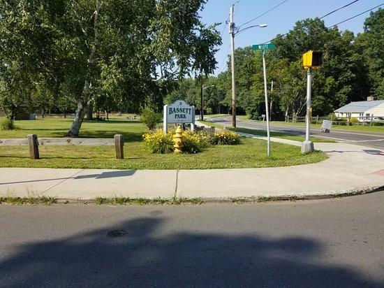 Hamden, CT: Bassett Park