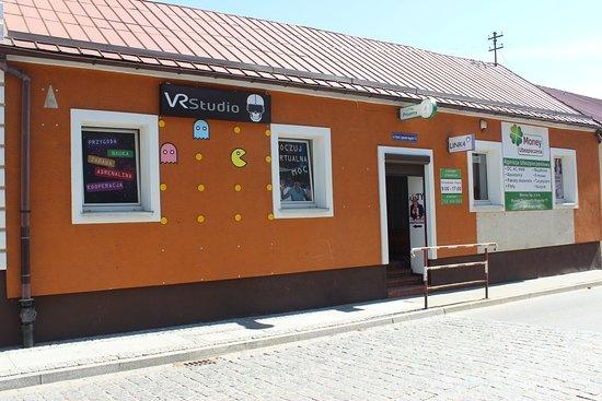 Augustow, Polônia: VR Studio - wejście od ul. ks. Skorupki