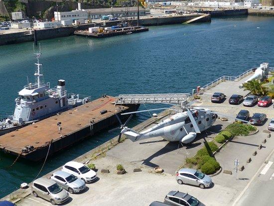海军布雷斯特基地