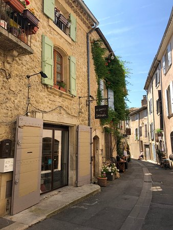 One Day in Provence - Day Tours: Lourmarin