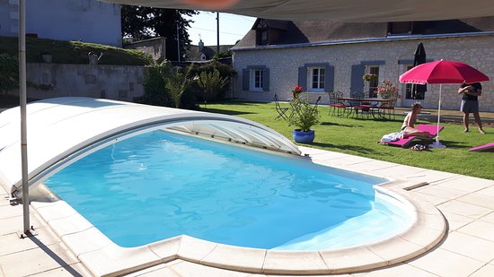Mosnes, France: Covered pool